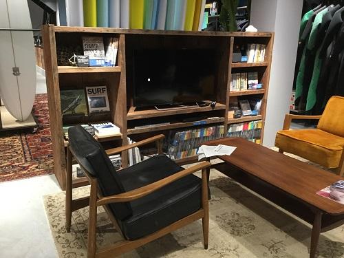 松の古材テレビ収納